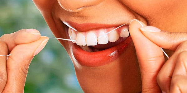 1033877f1 A importância do uso diário do fio dental para a saúde bucal ...